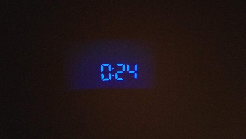 MPOWデジタル時計の投影機能