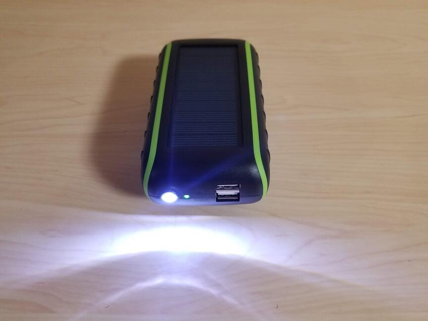 Chargi-Q mini(チャージックミニ)のLEDライト
