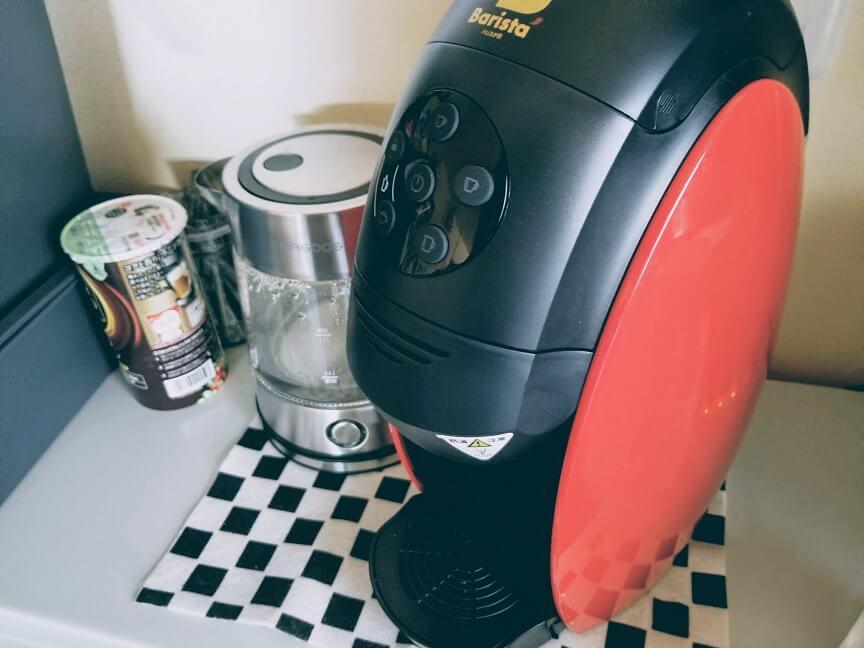 電気ケトルとコーヒーメーカー