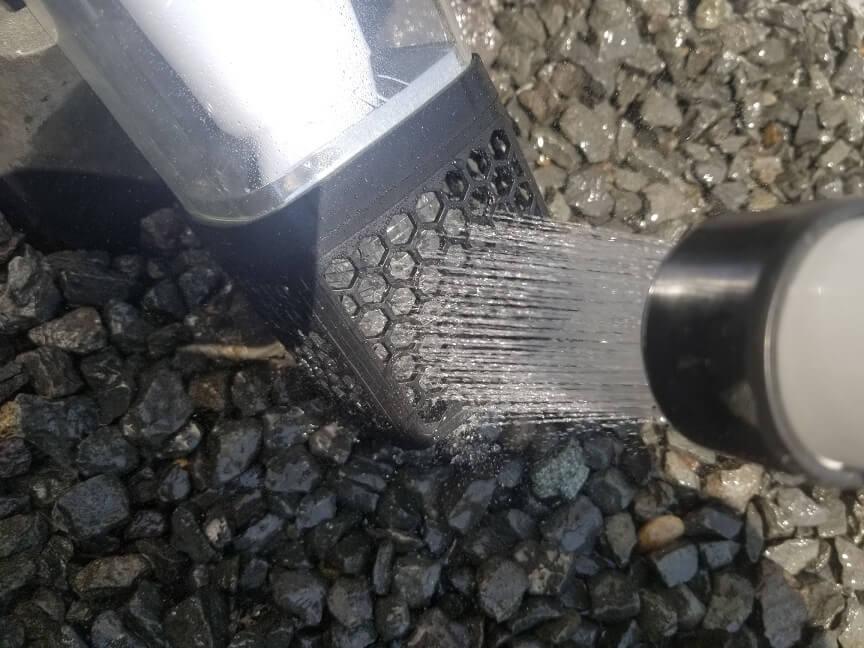 電撃殺虫器「モスキーターZ」の掃除