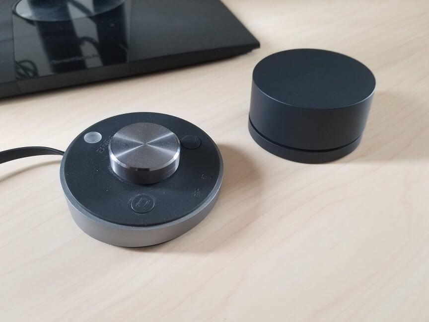 XiaomiモニターライトとBenQ ScreenBar Plus