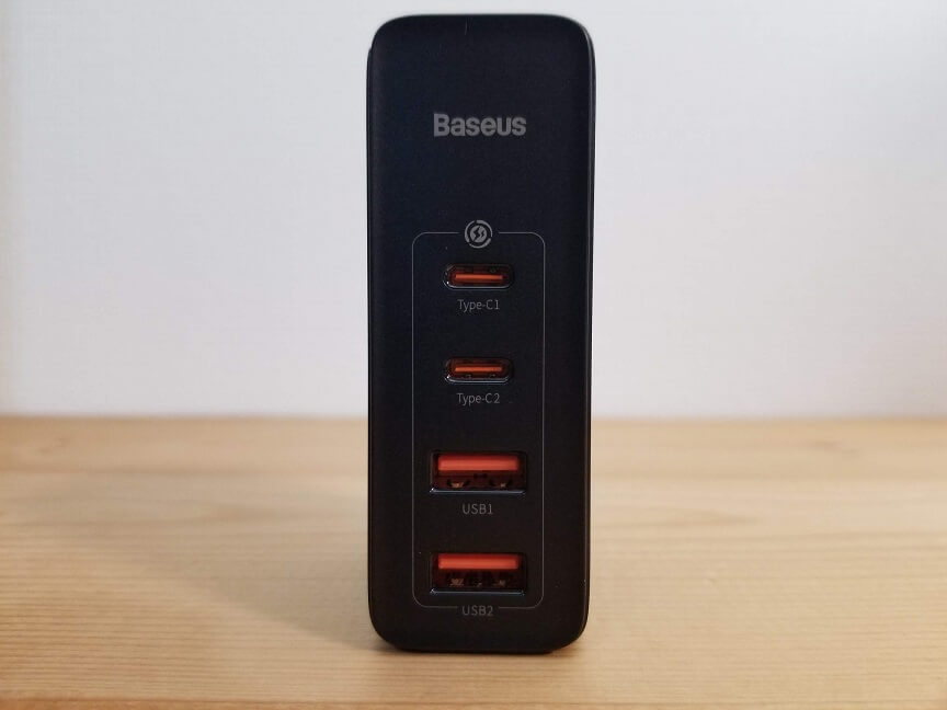 Baseus GaN2 Pro Quick Chargerの外観